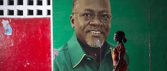 Officiellement, John Magufuli, 61 ans, a succombe le 17 mars a une maladie cardiaque. Mais de nombreuses rumeurs disaient le chef d'Etat, au pouvoir depuis 2015, atteint du Covid-19.